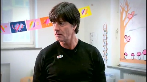 joachim-low-wir-helfen-kinder-rtl-video-24-11-16-2