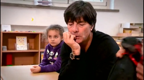 joachim-low-wir-helfen-kinder-rtl-video-24-11-16-5