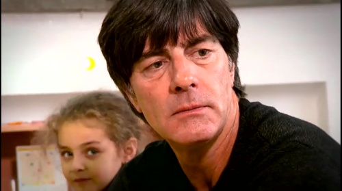 joachim-low-wir-helfen-kinder-rtl-video-24-11-16-6