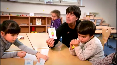 joachim-low-wir-helfen-kinder-rtl-video-24-11-16-7