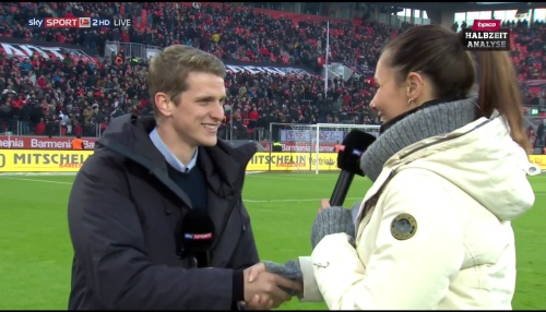 lars-bender-hz-interview-leverkusen-v-hertha-2016-17-6