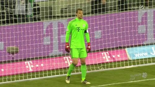 manuel-neuer-bayern-v-fortuna-dusseldorf-telekom-cup-2017-2